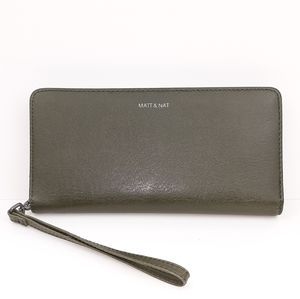 Mat & Nat Vegan Leather Wristlet Wallet